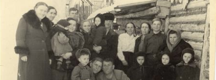 Familienfoto in Sibirien, UdSSR